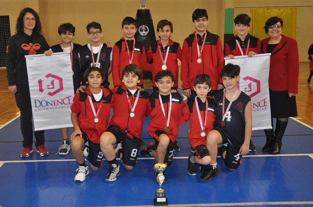 Okul Sporları Basketbol Küçük Erkekler'de Dönenceli küçük basketbolcularımız İl 4. lüğünü kazandı.