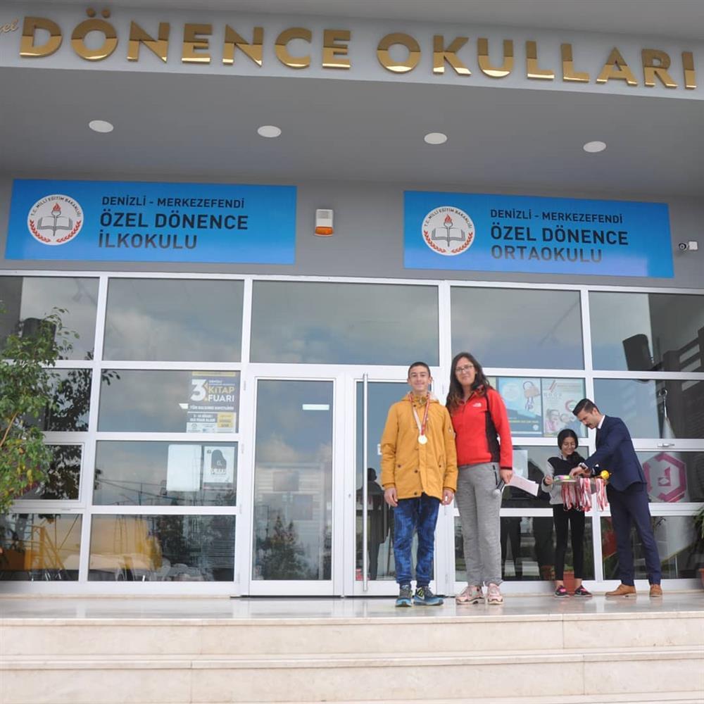 Öğrencimiz 1000 metre Küçük Erkekler Puanlı Atletizm Okullar arası il 1.si oldu.