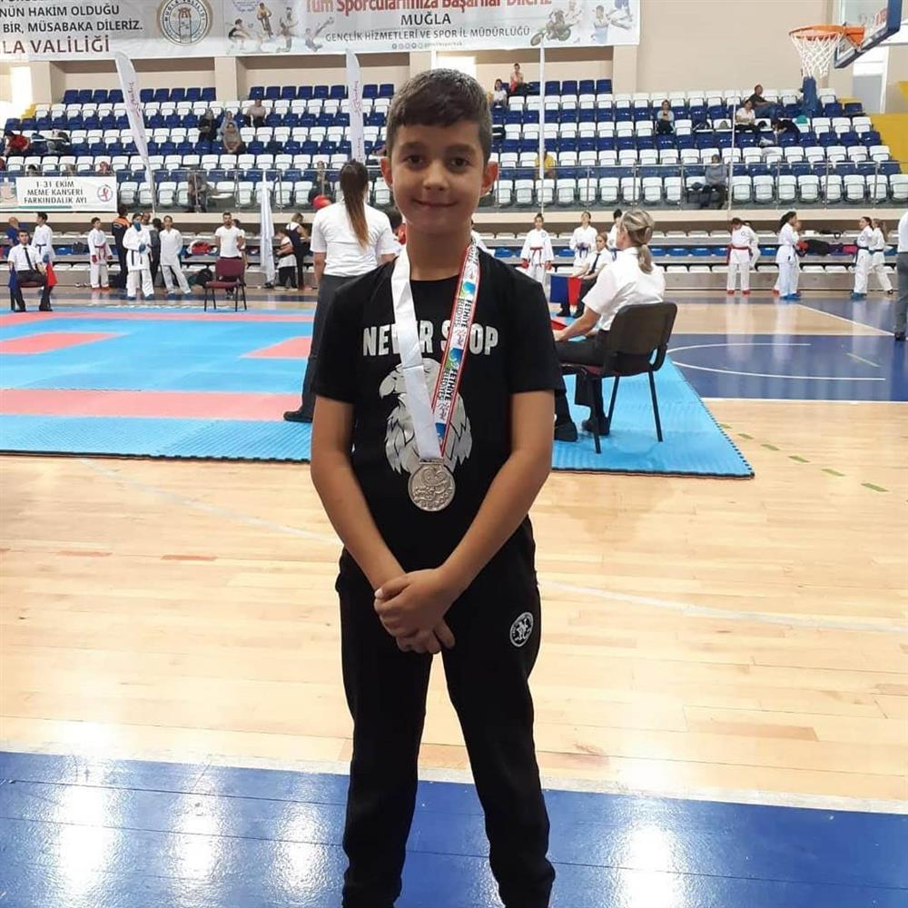 Fethiye Spor Fest Karete Turnuvası'nda 2. olmuştur.
