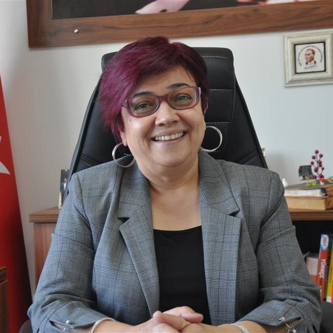 Ayşe Yaprak<br>Kurucu/Okul Müdürü